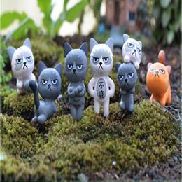 Disegni in miniatura online-Mix 6 Design Cartoon Cats Fairy Garden Miniature Gnomi Moss Terrari Artigianato in resina per la decorazione domestica Zakka