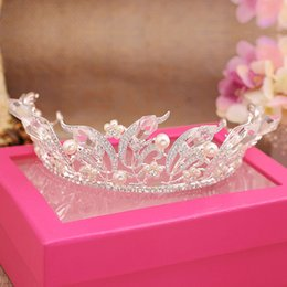 Wholesale Cheap Clear Plates - New Arrival 2017 Crystal Rhinestones Wedding Crowns Tiaras Cheap Bridal Headpieces Pearls Wedding Hair Accessories Hot Sale