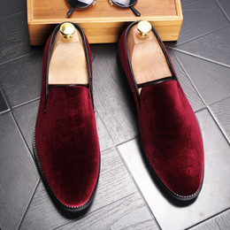 Wholesale Wine Wedding Shoes - New 2017 Velvet Men Loafers Luxury Brand Shoes Slip on Pointed Toe Party Wedding Shoes Fashion Men Loafers Black Green Wine Red
