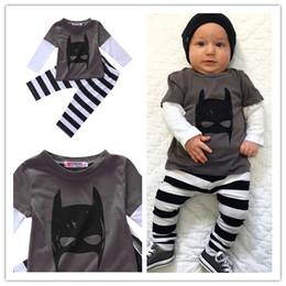 2017 Детская Одежда Новорожденный Мальчик Бэтмен Черно-Белый Наряд Футболка с Длинным рукавом Брюки Комплект одежды 0-24 М от