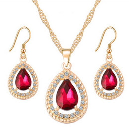 Wholesale Ladies Gift Sets Wholesale - Necklace set wholesale water drop crystal necklace earrings jewelry gold alloy diamond pendant earrings ladies party girlfriends gifts