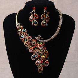 Arete de pavo real online-Cristal joyería nupcial Rhinestone Peacock aretes collar conjunto Stud Stud Pendiente del banquete de boda joyería para mujer dama de honor