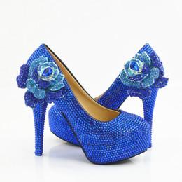 Cinturino in tacco blu royal online-5 8 11 14CM Heels Tacco a fiore in cristallo Royal Blue Prom Sera Tacchi alti fatto a mano Bordare Strass Bridal Wedding Bridesmaid Shoes 049