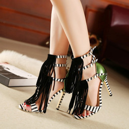 zapatos de vestir de estilo europeo Rebajas Europa United Style New Summer Fringe Mujeres Tacón alto Gladiador Sandalias de moda de la borla a juego Cinturones Hebillas Zapatos de vestir de las mujeres