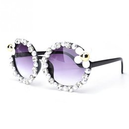 Wholesale Retro Flower Sunglasses - Women Retro Fashion Designer Flower Pearl Eyewear Eye Sunglasses