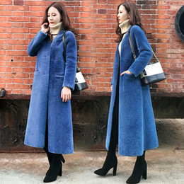 Nuevo diseño invierno mujer manga larga cuello en v engrosamiento de piel sintética maxi largo más tamaño abrigo parkas abrigos abrigos calientes SMLXLXXL desde fabricantes