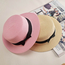 wholesale boater hat Promotion Vente en gros - Nouveaux Casual Fashion Flat Sun Hat Femmes Summer Straw Chapeaux de paille pour femme Beach Panama Hat Sun Headwear Chapeau Femme Caps