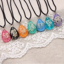 Wholesale Light Acrylic Necklace Flower - 7 color blue through the light handmade original forest line full of stars dry flower necklace diy Dijiao water drops luminous necklace