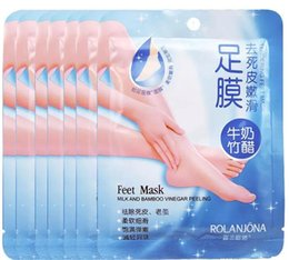 Wholesale Feet Treatment - New Hot Rolanjona Milk Bamboo Vinegar Feet Mask skin Peeling Exfoliating regimen for Feet care Professional Feet sox Mask