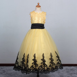 Wholesale Light Pink Girl Pagent Dress - Yellow Ball Gown Flower Girl Dresses With Lace Edge Christmas Scoop Sleeveless pagent dress for teen Custom Make