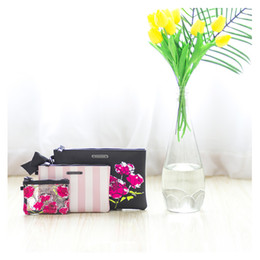 Wholesale Large Rose Flower - 2017 Beautiful VS Lips Rose flower Secret Large Bags Three-piece PU Organizer Case Accessaries Victoria VS Make Up Bags Free Shipping