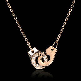 Wholesale Handcuffs Jewelry - Handcuffs Of Love CZ Diamond Choker Necklaces & Pendants 18K Rose Gold Plated Fashion Cubic Zirconia Jewelry For Women Girls Chain DFN149