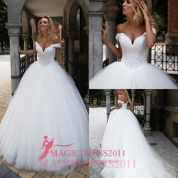 Wholesale Party Castles - Oksana Mukha 2017 Wedding Dresses Ball Gown Off-Shoulder Sweetheart Major Beaded Court Train Puffy Vintage Garden Wedding Party Bridal Gowns