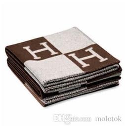 Wholesale Korean Hand - Signature H Throw Blanket Home Travel Autumn Winter Women Scarf Shawl Warm Everyday Blankets Large 160*140cm Brown Black Orange Gift