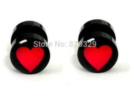 Auriculares logos on-line-Logotipo do coração acrílico tapeador falso plugues de ouvido brinco stud ilusão plugs falsos tamanho 10mm * 1.2mm FEP011