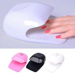 lâmpada l uv Desconto Novo Secador de Unha Polonês Ventilador Mini Portátil Nail Art Secagem Polonês Secador de Cabelo Rosa Branco Preto Manicure DIY Ferramentas 2017 Venda de Beleza