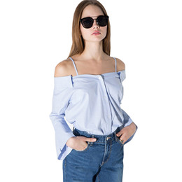 Blusa superior correa hombro online-Womens Sexy Off Shoulder Striped Strap Blusa Camisas Overoles Casual Flare manga botón Tops Tees para al por mayor
