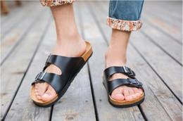2019 sandalias marrones de corcho Estilo de verano Zapatillas de mujer de moda pantuflas Sandalias de playa Cork Sandalias de alta calidad Negro, marrón sandalias marrones de corcho baratos