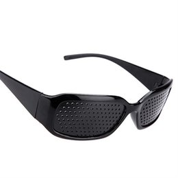 gafas de sol pinhole Rebajas Al por mayor-Negro gafas de sol estenopeicas Anti-fatigue Vision Care Pin Hole Microporous Glasses Eye Exercise Eyesight Mejorar Anti-miopía