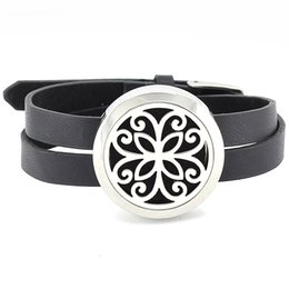 Wholesale Trendy Charm Bracelets - Free with felt pads! New trendy 30mm 316L stainless steel twist-off aromatherapy essential oil diffuser locket bracelet jewelry