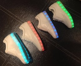 Wholesale Wheeling Shoes For Kids - New 2017 Child Girls Boys LED Party Light with wheels Roller Skate Shoes For Children Kids fashion Sneakers With Wheels