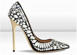 tamanho sapatos brancos de noiva Desconto 2017 Sapatos Mulher Apontou Toe Strass Sapatos de Salto Alto Frisado Glitter Deslizamento Em Bombas De Cristal Branco Sapatos De Casamento De Noiva Tamanho Euro 35-42
