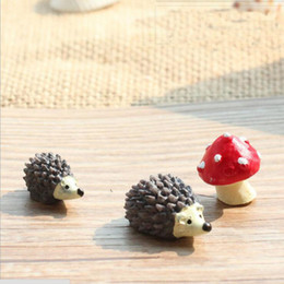 Wholesale Gnome Set - 2016 20 Sets resin hedgehog and mushroom miniatures lovely animals fairy garden gnome terrarium decoration crafts