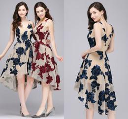 8ed633d096 Simple Elegante Borgoña Vestidos de Cóctel Alto Bajo 2018 Azul marino Nuevo  V Cuello Vestido de Fiesta Corto Formal Evening Party Wear CPS711 Barato ...