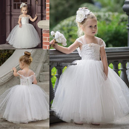 Wholesale Communion Portrait - Cute Tutu Flower Girls Dresses For Weddings 2017 Newest Strapless Portrait Lace Tulle Floor Length Ball Gown Pageant Dresses Bridesmaid Gown