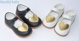 Wholesale Mary Toddler Shoes White - girls leather shoes black white gold heart mary jane shoes kids flats first walkers toddler SandQ baby new 2017 cute retail chaussure nina