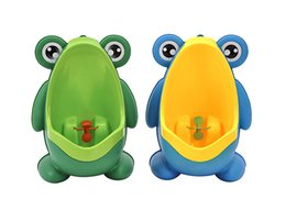 Wholesale Trainer Urinals - Frog Shaped Boys Stand Vertical Urinal Wall-Mounted Potty Toilet Training Kids Urinal Baby Children PP Trainer Bathroom