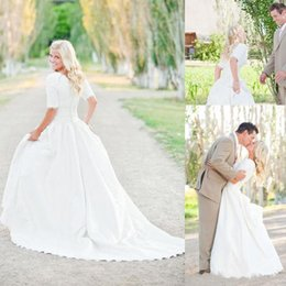 Wholesale Bohemian Dress Plus Size - 2016 Modest Plus Size Wedding Dresses With Half Sleeves Full Lace Top Cheap Bohemian A-Line Court Train Satin Bridal Gowns Button Back