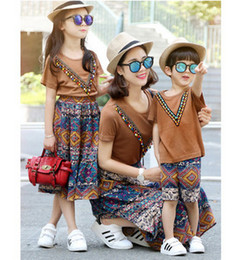 Wholesale Pcs Girl S - Family clothing 2017 bohemia style girls womens T-shirt+printed skirt 2 pcs sets baby boys short sleeve tops+shorts 2pc clothing sets T3888