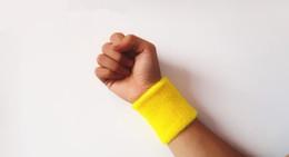 Atacadores grossos de pulso de ginástica on-line-Venda por atacado - 1 PC Sport Wristband Bandas de suor de algodão Wrist Suporte Protector Wrist Guardas de Tênis de basquete Gym Wraps Bracer