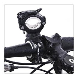 2019 iluminação de pé livre lâmpadas Ciclismo Da Bicicleta Da Bicicleta Luz Da Lâmpada Stand Titular 360 ° de Rotação Aderência LEVOU Lanterna Tocha Clamp Clipe Suporte de Montagem Acessórios Frete Grátis iluminação de pé livre lâmpadas barato