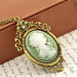 Wholesale cameo jewelry wholesale - Wholesale- Summer Style Jewelry Vintage Antique Gold Queen Cameo Pendant Necklace Statement Necklace for Women Jewelry