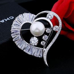 Wholesale Pearl Necklace Brooch - Europe and the United States luxury new zircon heart pearl brooch atmospheric corsage can do necklace pendant with jewelry high-end clothing