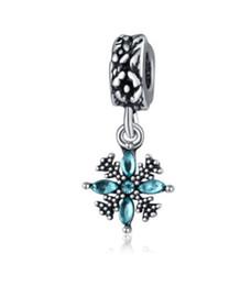 Wholesale snowflakes beads - Fits Pandora Bracelets 30pcs Christmas Snowflake Dangle Silver Charm Beads Charms For Wholesale Diy European Necklace Snake Chain Bracelet