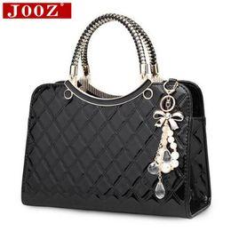 Wholesale Designe Handbags - Wholesale- Fashion Wild women handbags Famous brand Designe Luxury Patent Leather Handbag sac a main bolsos women messenger bag Tote bag