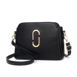 c636dea4795f Brand New Women Fashion Bags Backpack Students fashion leisure bag factory  price wholesale High quality (DFMP13)