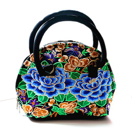 Wholesale Handling Peony - Wholesale- Chinese traditional flower silk embroidery handbag shell shape with soft handle elegant canvas small clutch for women blue peony