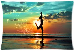 Wholesale Sunset Sea - 2pcs Custom Beach Sea Sunset Hot Girl Pattern Zippered Cotton Polyester Pillow Case 20x30 (Twin sides)