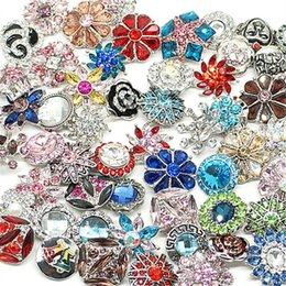 Wholesale Titanium Metal Bracelets - Hot wholesale 50pcs lot High quality Mix Many styles 18mm Metal Snap Button Charm Rhinestone Styles Button watches Snaps Jewelry