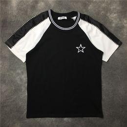 Ropa blanca de moda online-Nueva moda bordado pentagram raya camiseta en blanco y negro Verano de moda para hombre Hip Hop camiseta de manga corta Tops ropa