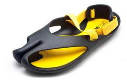 Wholesale Men Plastic Slipper - New 2017 Hot Men summer sandals men beach slippers personality fashion simple shoes sandals