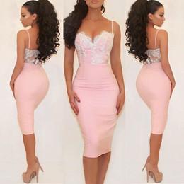 Vestido curto de espaguete rosa e espaguete on-line-Sexy rosa cocktail vestidos de cetim de cintas de espaguete querida Lace Satin Bainha Tea Length Evening Party Dresses Backless Curto Prom Dress