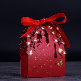 Wholesale Box Wedding Dolls - 50PCS Pearl Paper Wedding Candy Box Creative hollow Chocolate Box with Ribbon Favor Gift Boxes A126