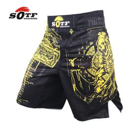 lettere del treno Sconti Mma Boxing Splicing Machinery Black Letters Personalizzati Boxer Shorts Training Shorts Muay Thai Boxing Kickboxing Shorts