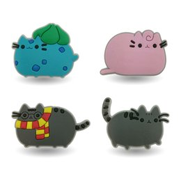 Wholesale Button Favors - 4pcs Lovely Pusheen Cats Cartoon PVC Brooches Pins Buttons Pick Badges Bags Clothes Accessories Kid Gift Party Favors