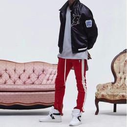 All ingrosso 2017 nuovi pantaloni pantaloni cerniera laterale hip hop Moda  abbigliamento urbano justin bieber FOG che unisce insieme pantaloni jogger  nero ... e78c2a7e9c05